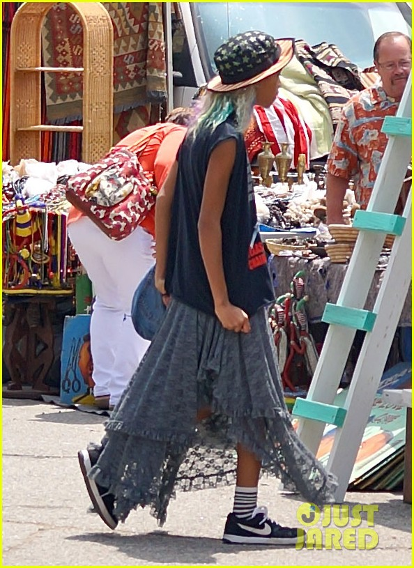 willow smith searches flea market for great finds 11
