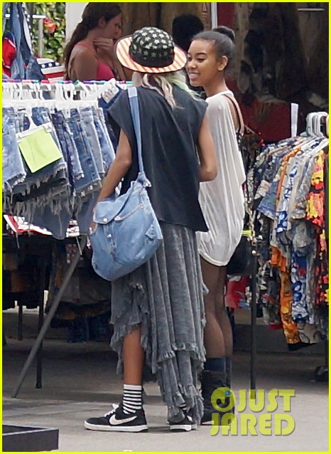willow smith searches flea market for great finds 132919172