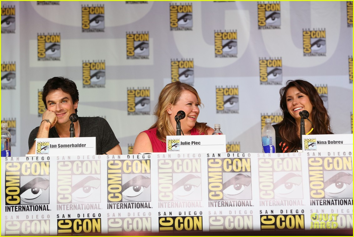 ian somerhalder nina dobrev vampire diaries at comic con 112914157