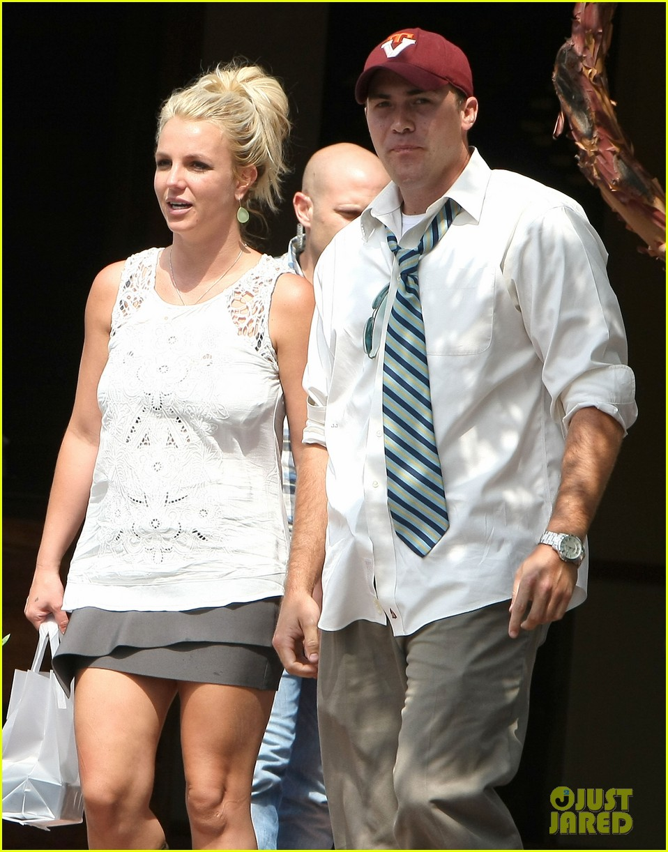 britney spears lunches with david lucado goes shopping 022904707