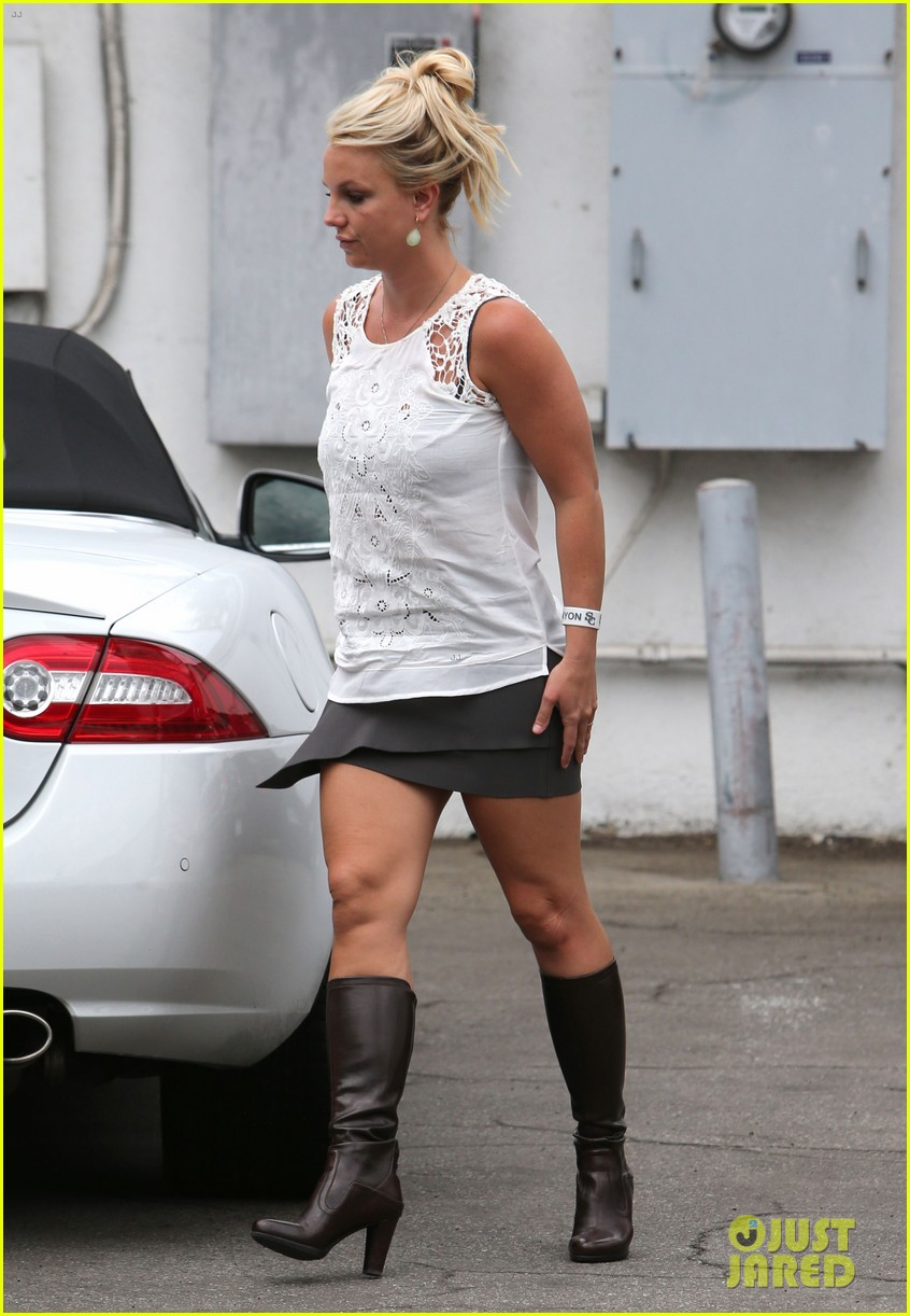 britney spears lunches with david lucado goes shopping 142904719