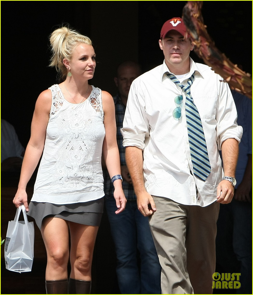 britney spears lunches with david lucado goes shopping 192904724