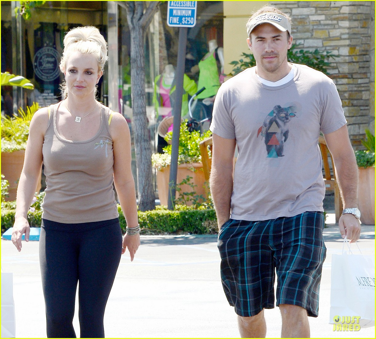 britney spears david lucado prep for weekend by shopping 022912447