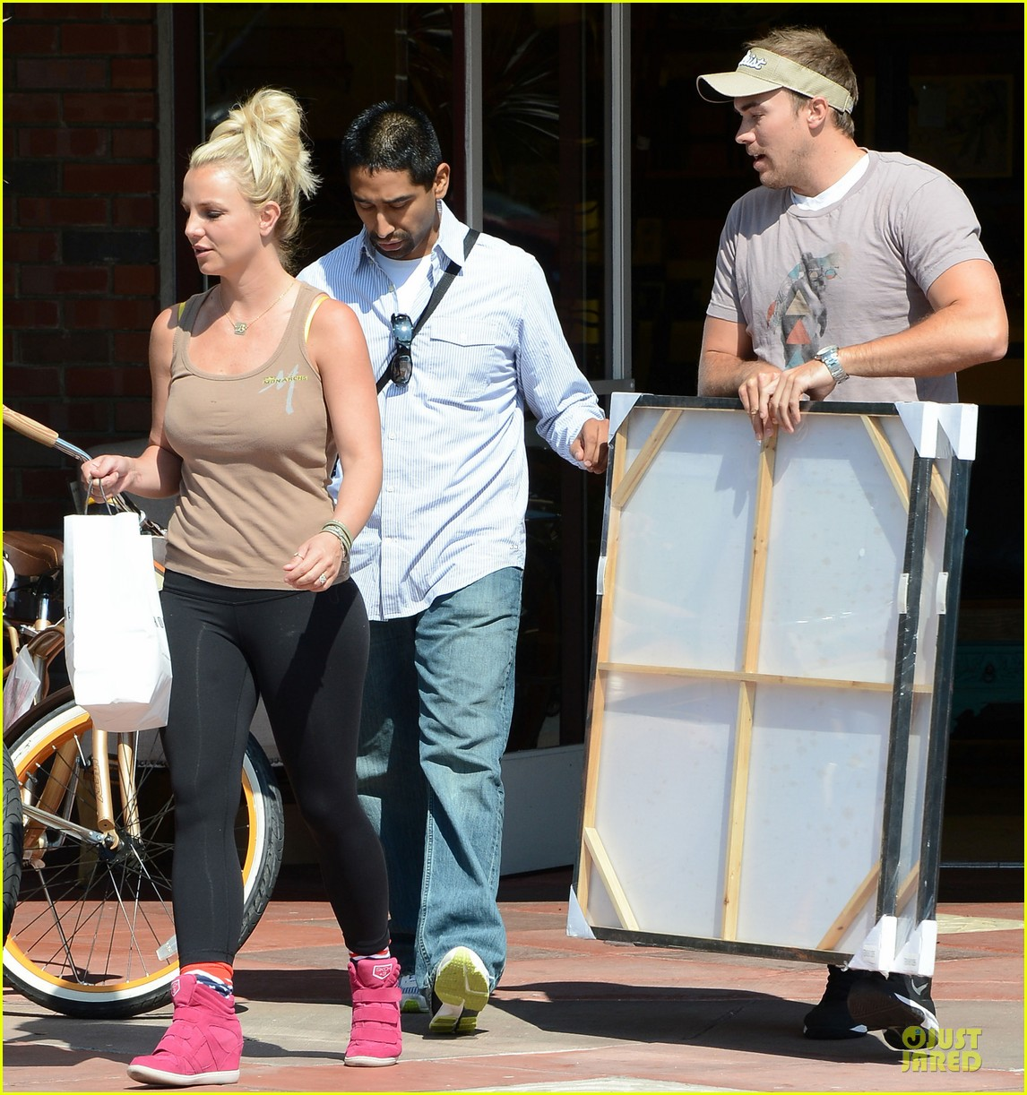 britney spears david lucado prep for weekend by shopping 052912450