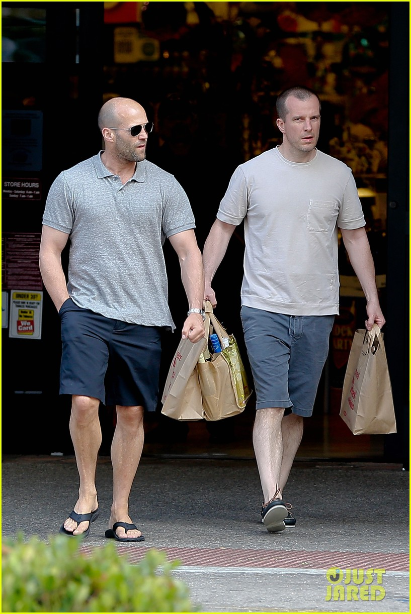 jason statham pre fourth of july grocery run 062903870