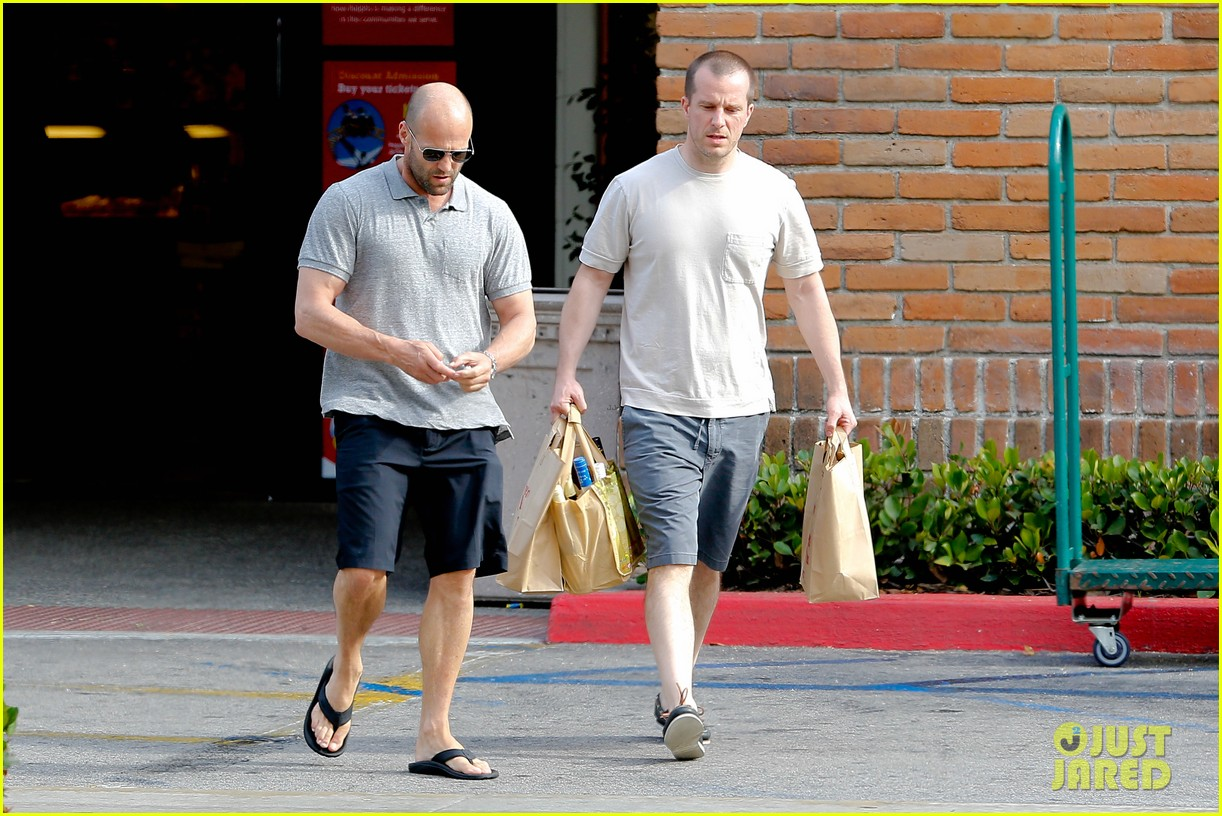 jason statham pre fourth of july grocery run 112903875