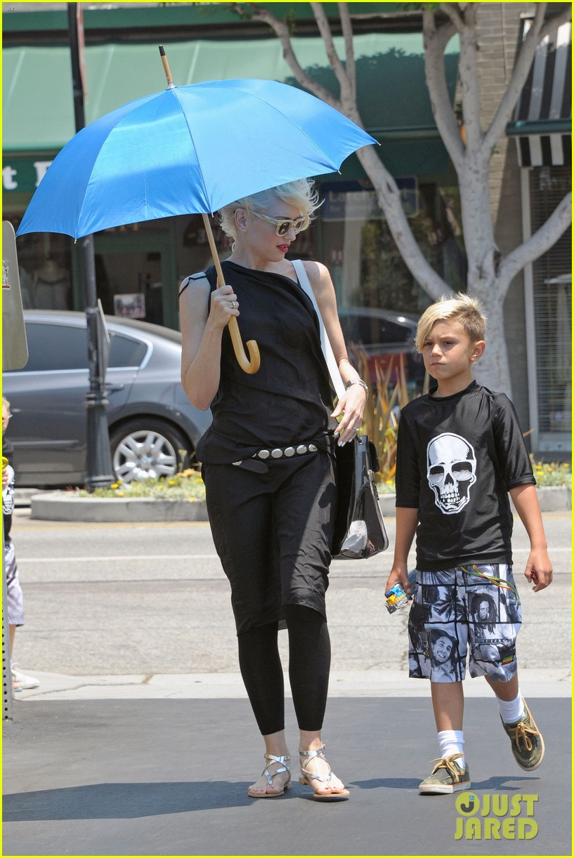 gwen stefani griffith park fun time with kingston zuma 032904746