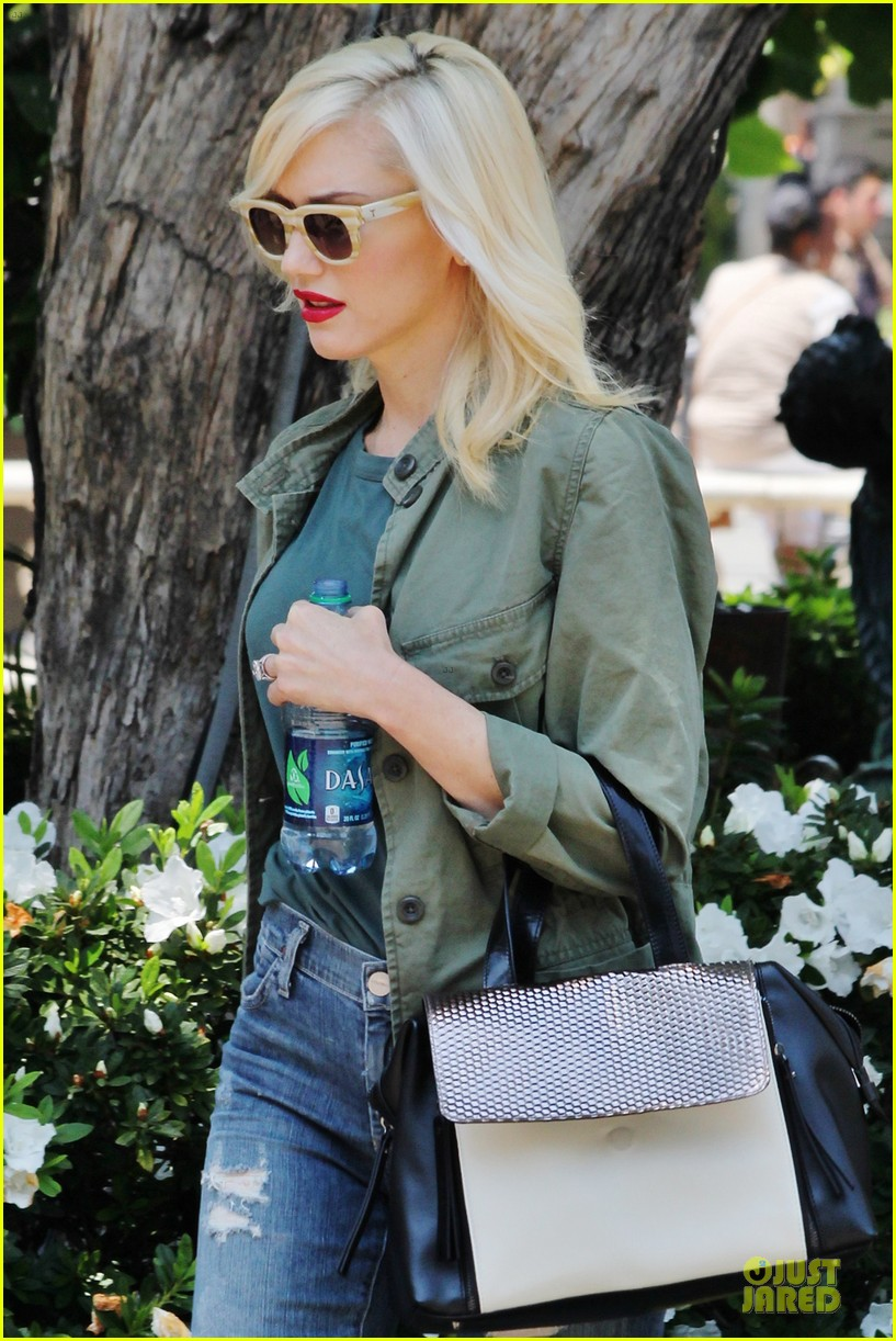 gwen stefani family filled knotts berry farm 15