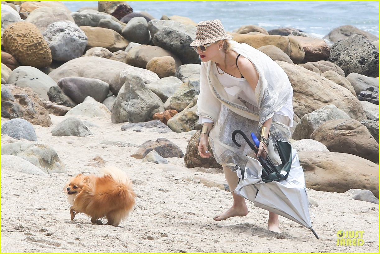 Gwen Stefani: Malibu Beach Mama with Kingston & Zuma! Gwen Stefani
