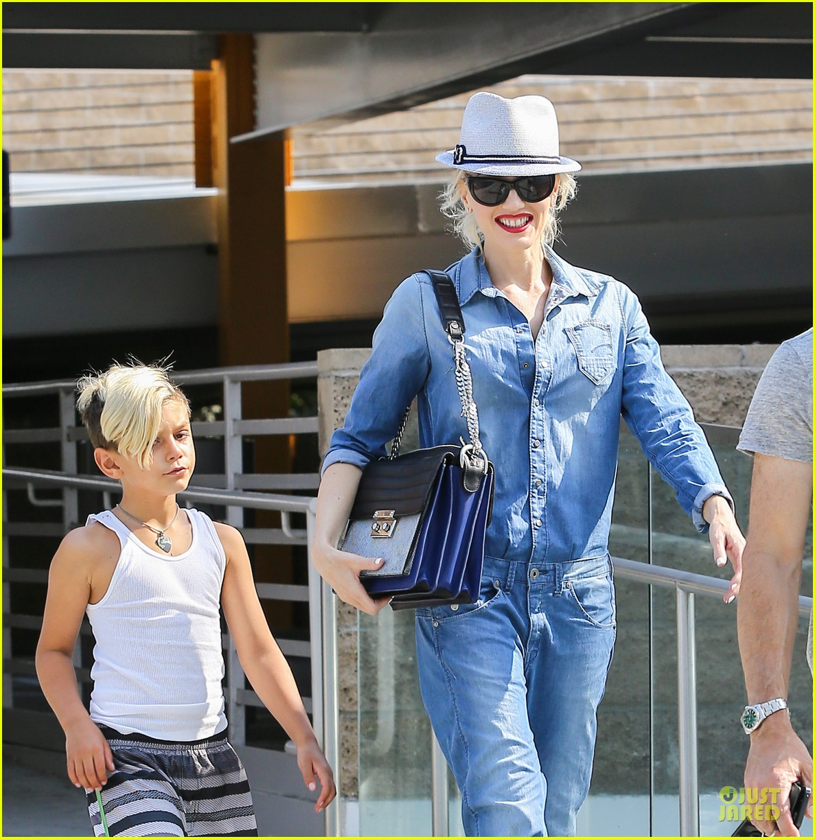 gwen stefani i feel special with nearly 1 million twitter followers 022902282