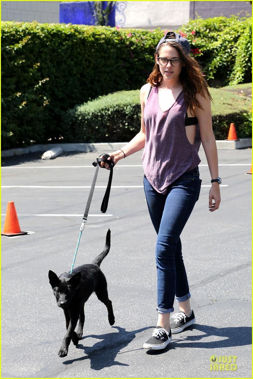 kristen stewart bra revealing walk with new puppy 012920409