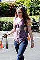 kristen stewart bra revealing walk with new puppy 06