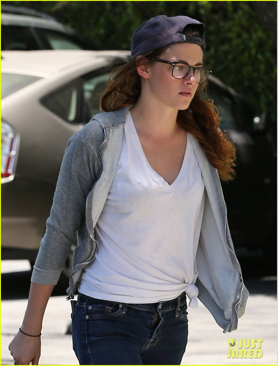 kristen stewart starts camp x ray work at the studio 02