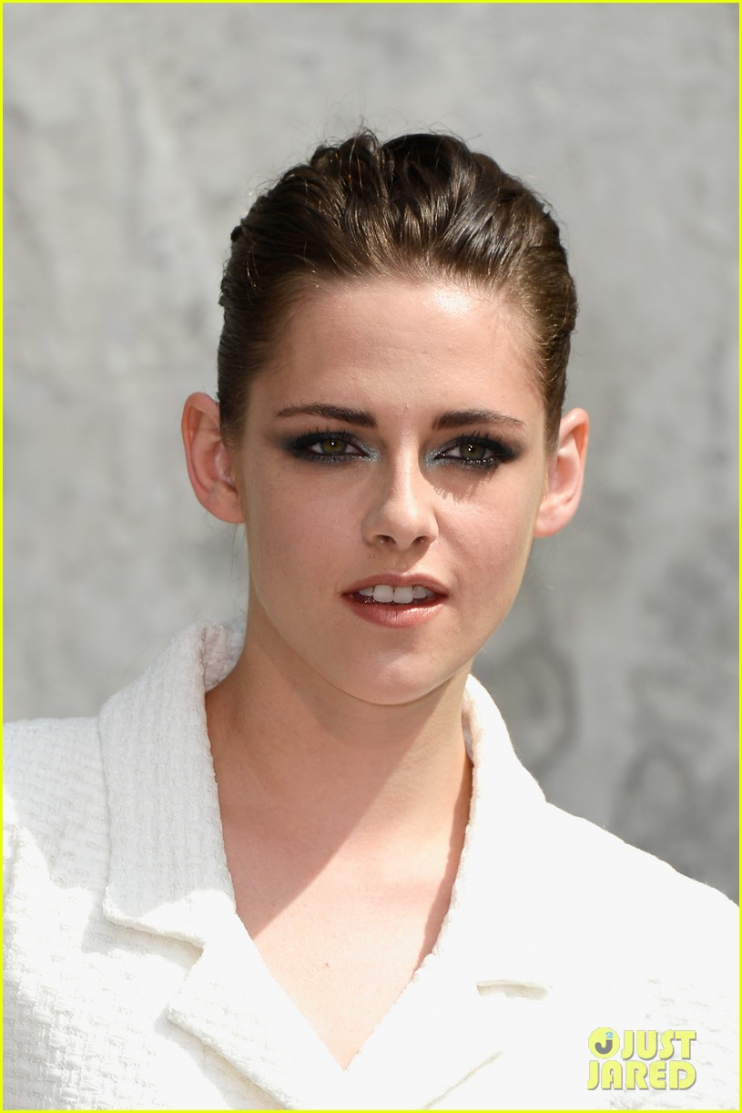 kristen stewart chanel paris fashion show 072902515