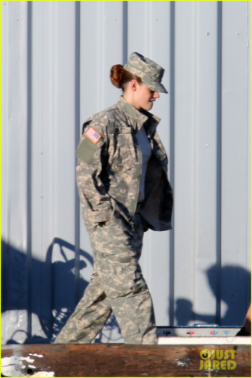 kristen stewart wears army uniform relaxes with beer 042911183