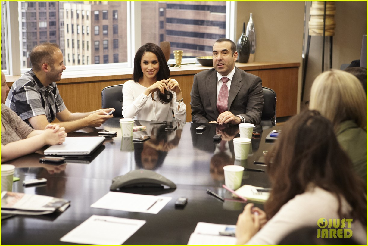 suits season 3 10 things to know from just jared set visit 11