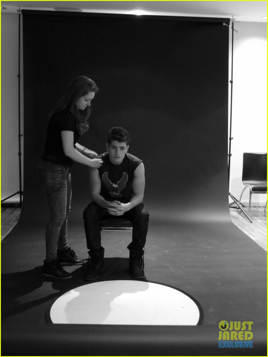 gregg sulkin jj spotlight of the week exclusive behind the scenes pics 012921104