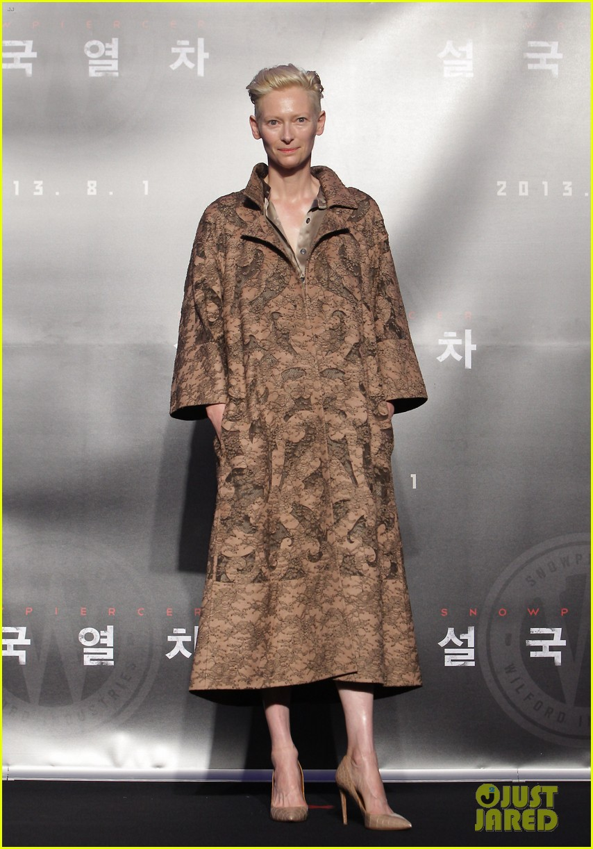 tilda swinton chris evans snowpiercer seoul press conference 05