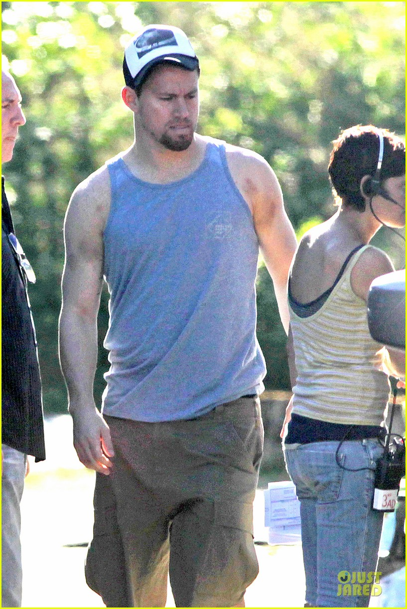 channing tatum visits jenna dewan on witches of east end set 022914765