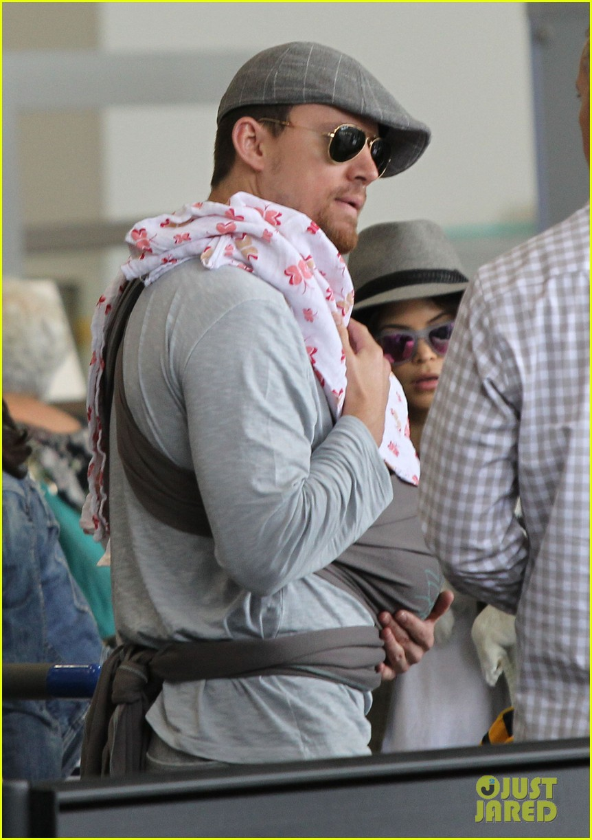 channing tatum jenna dewan tatum lax departure with baby everly 012905530