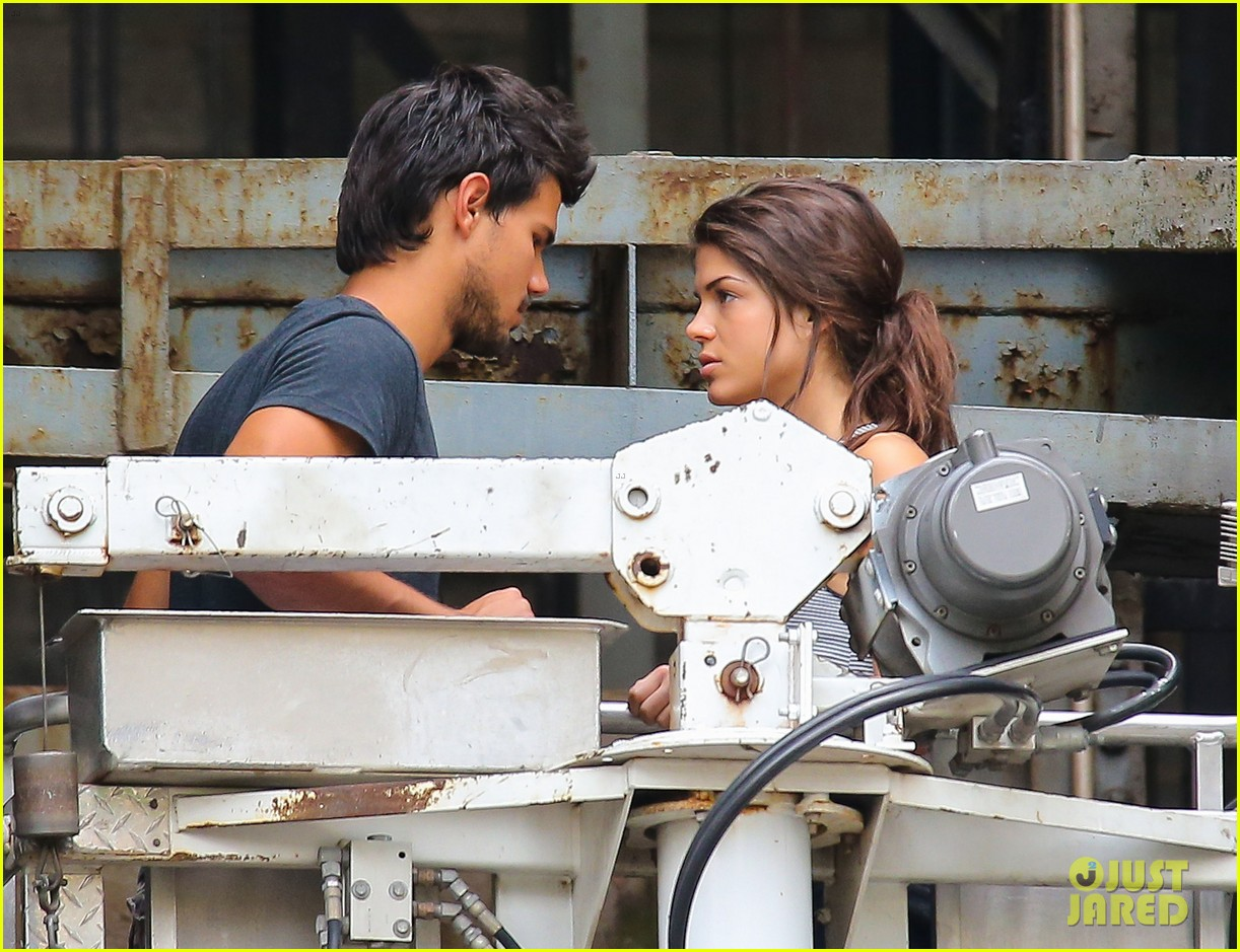 taylor lautner marie avgeropoulos tracers romance 082918678