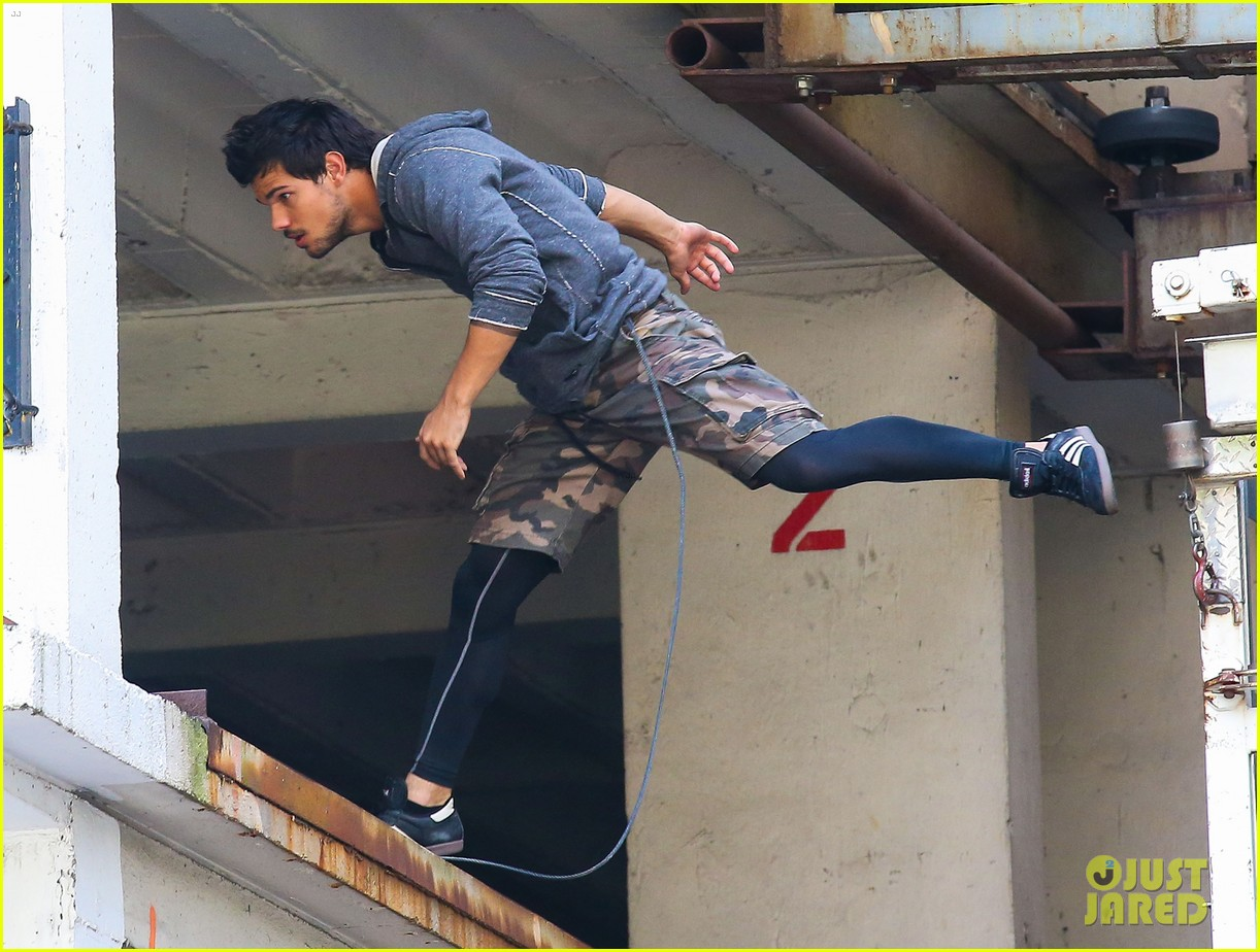 taylor lautner marie avgeropoulos tracers romance 142918684
