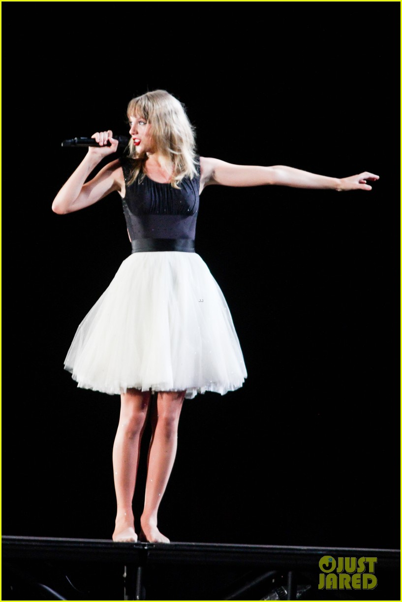 taylor swift new jersey concert photos video 15