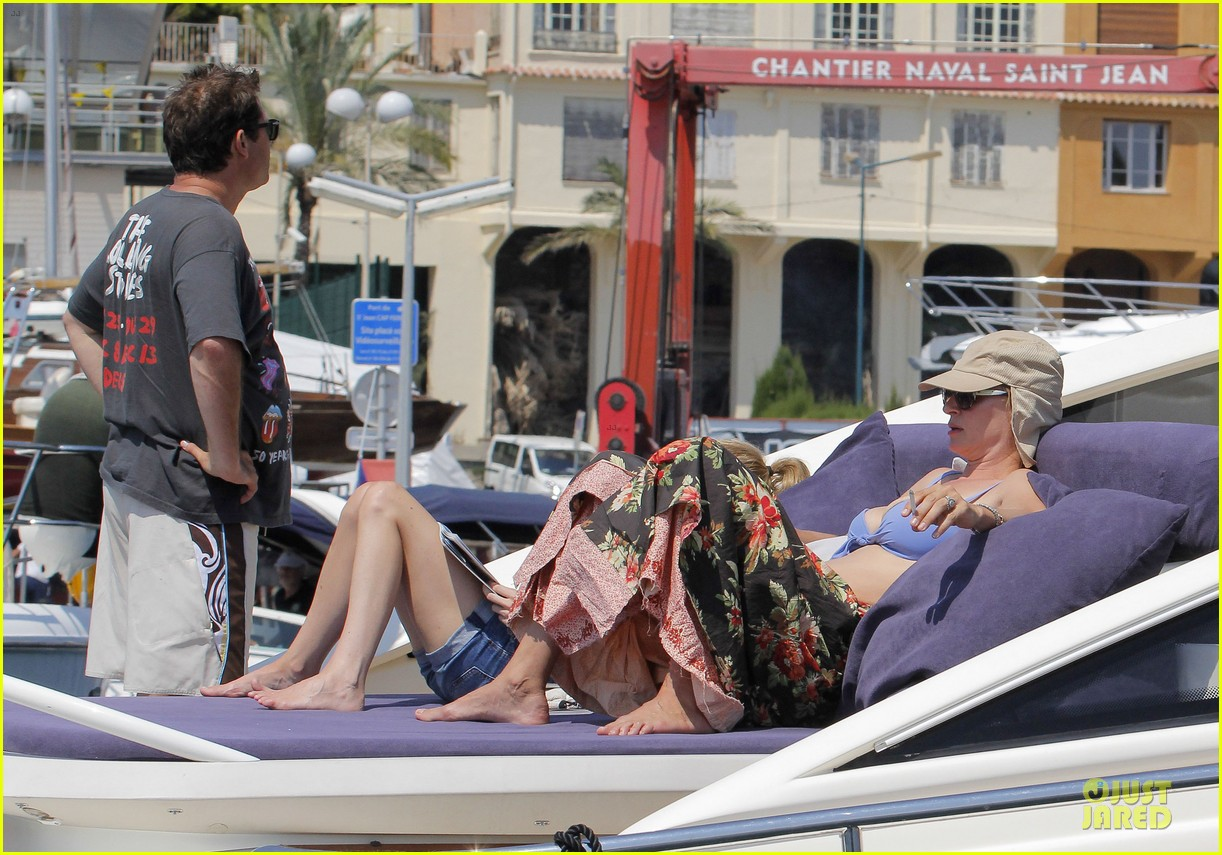 uma thurman bikini music boat ride 102906209