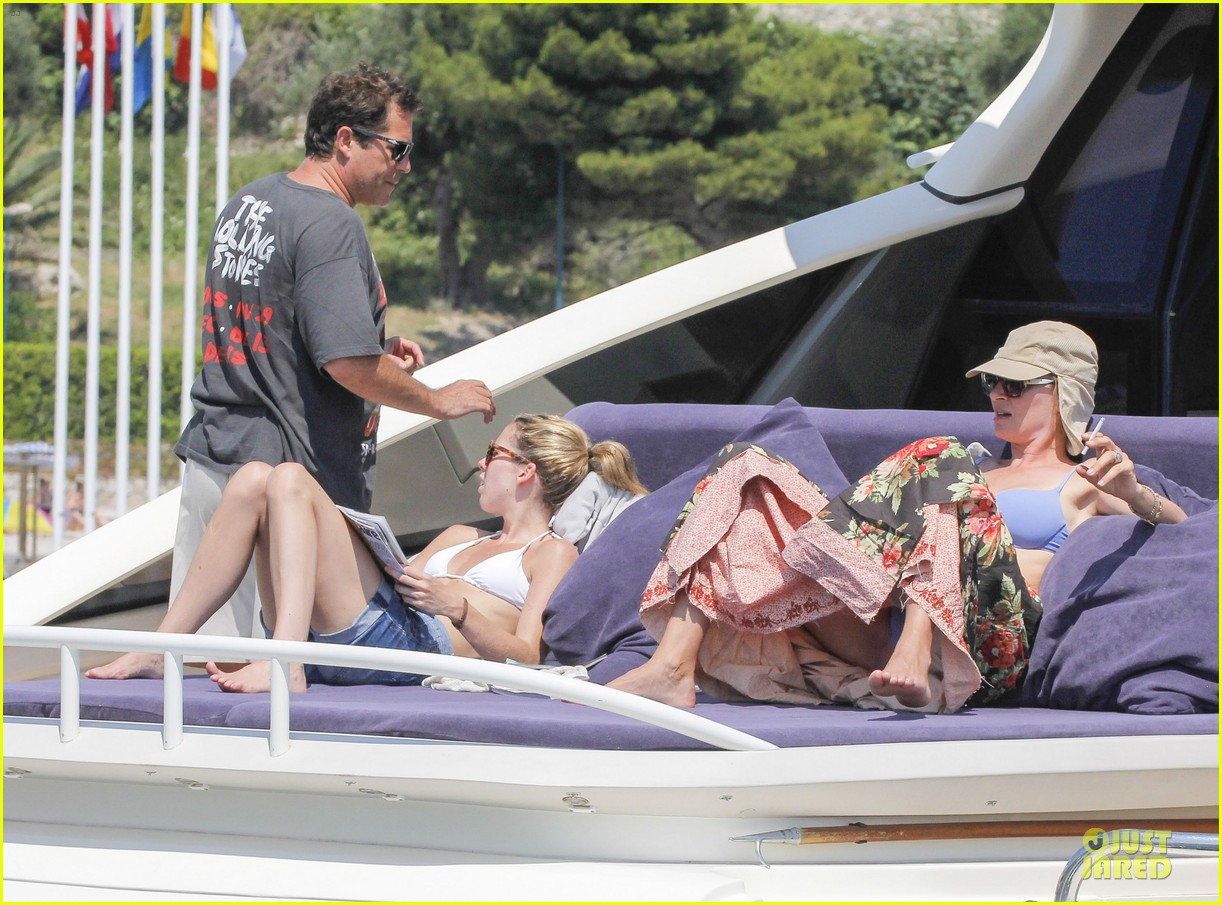 uma thurman bikini music boat ride 112906210