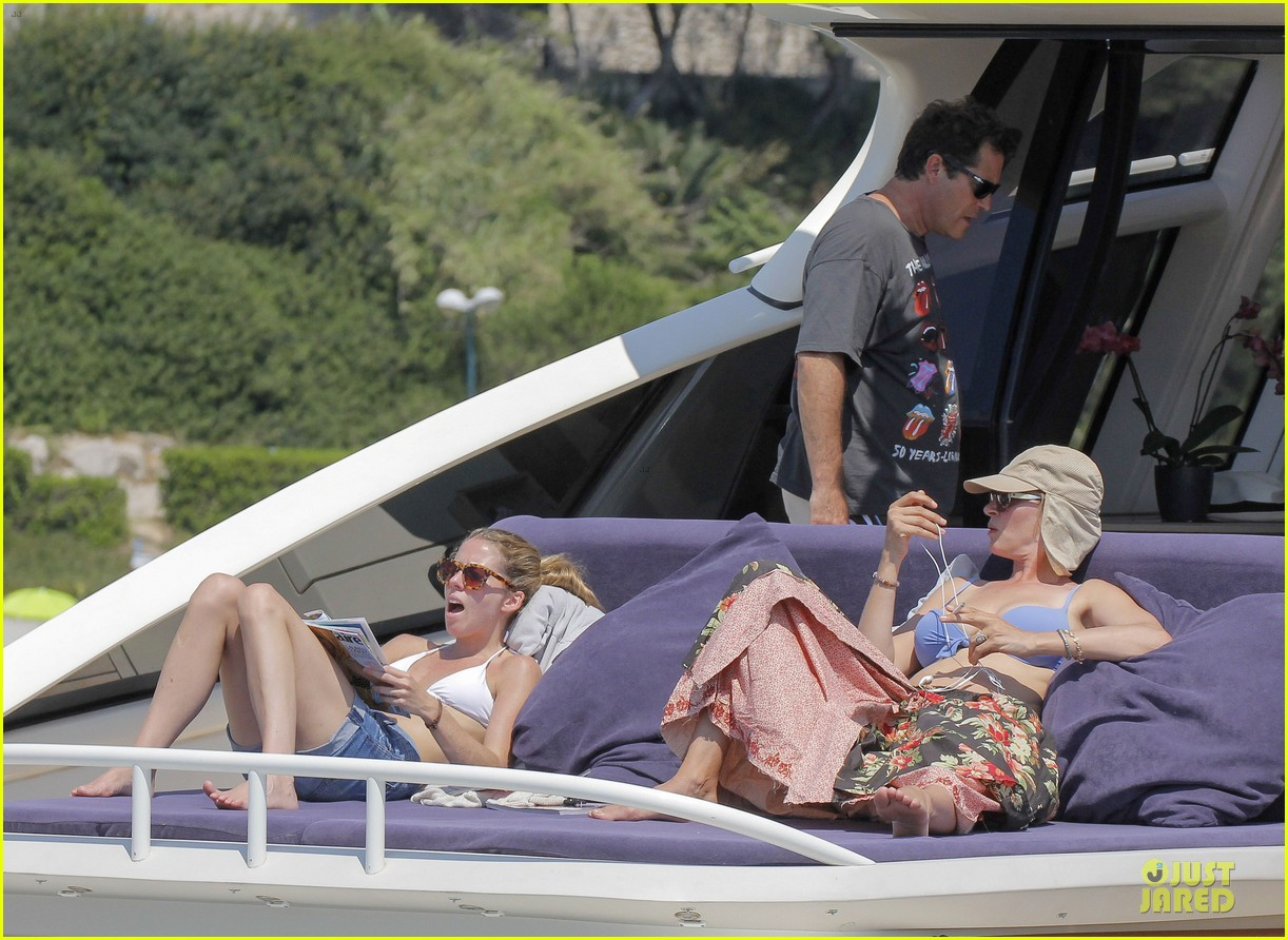 uma thurman bikini music boat ride 122906211
