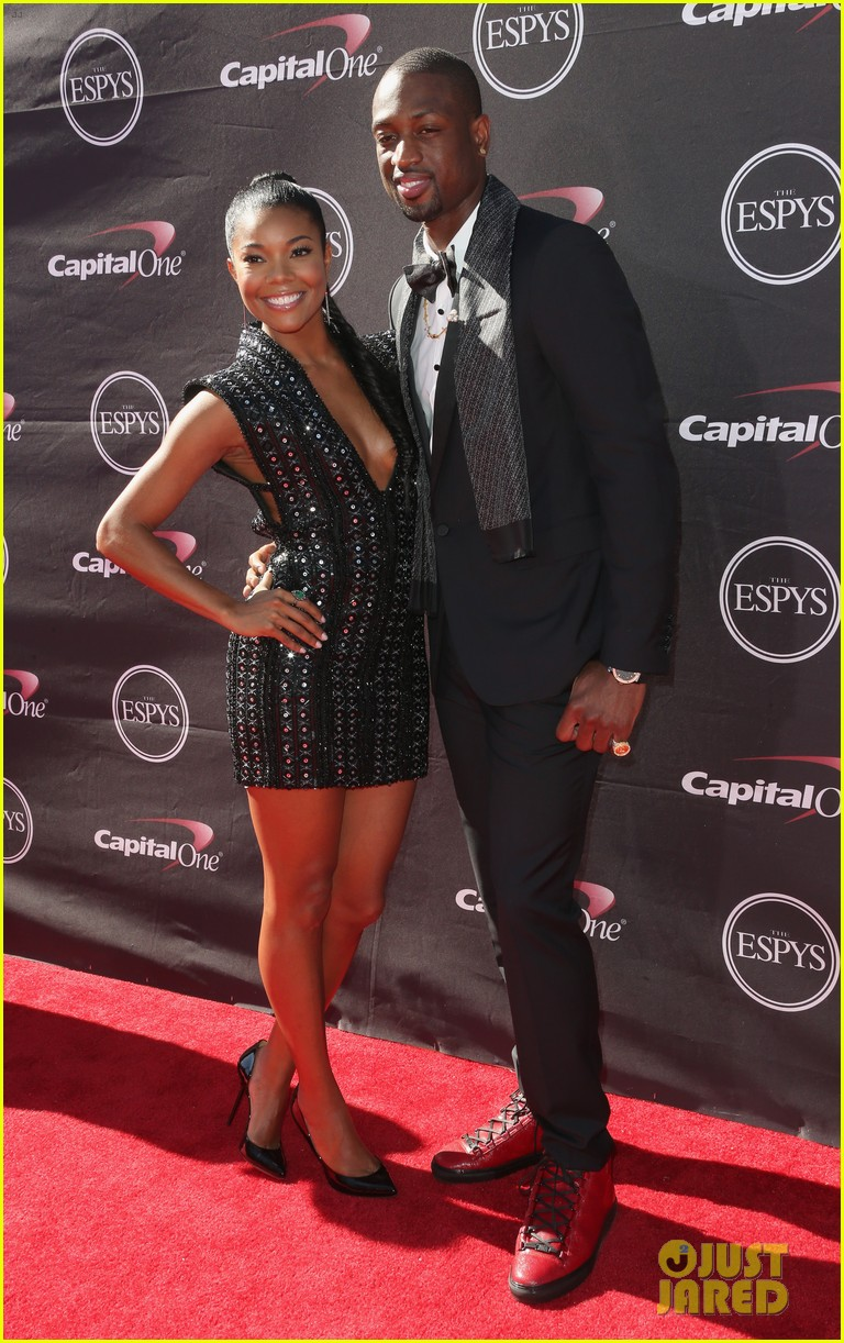 gabrielle union dwyane wade espys 2013 red carpet 032911076