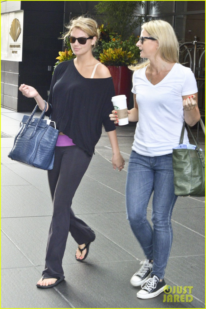 kate upton makes it an early day in nyc 072908482