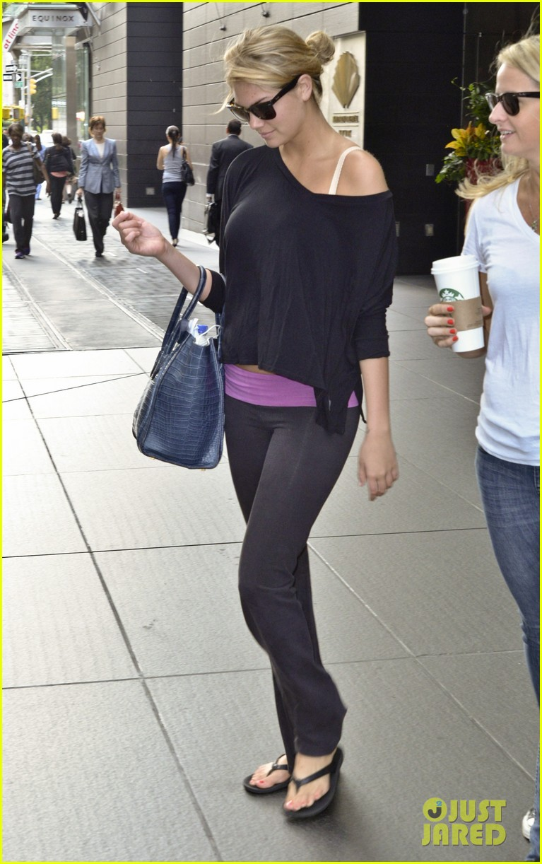 kate upton makes it an early day in nyc 082908483