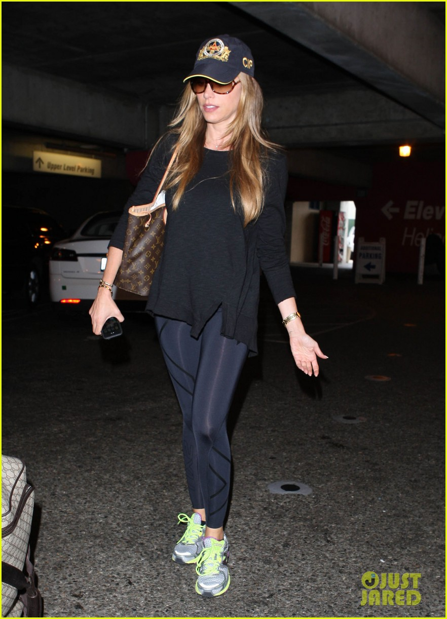 sofia vergara says goodbye to vacation hello to work 03