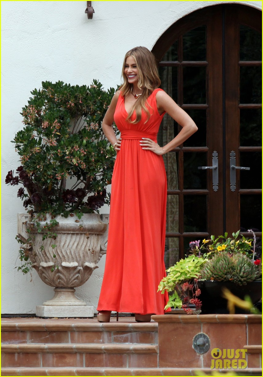 sofia vergara works with a smile on her birthday 072908391