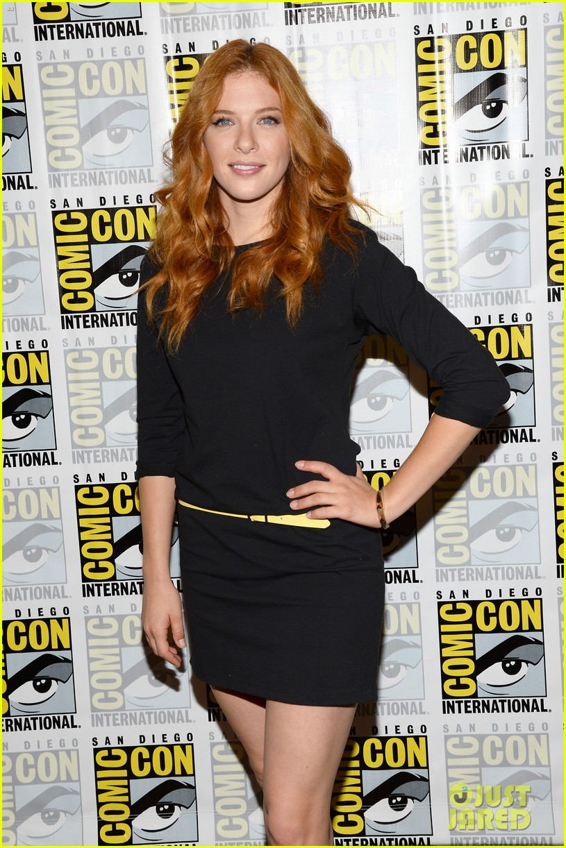 mike vogel rachelle lefevre under the dome at comic con 102913409