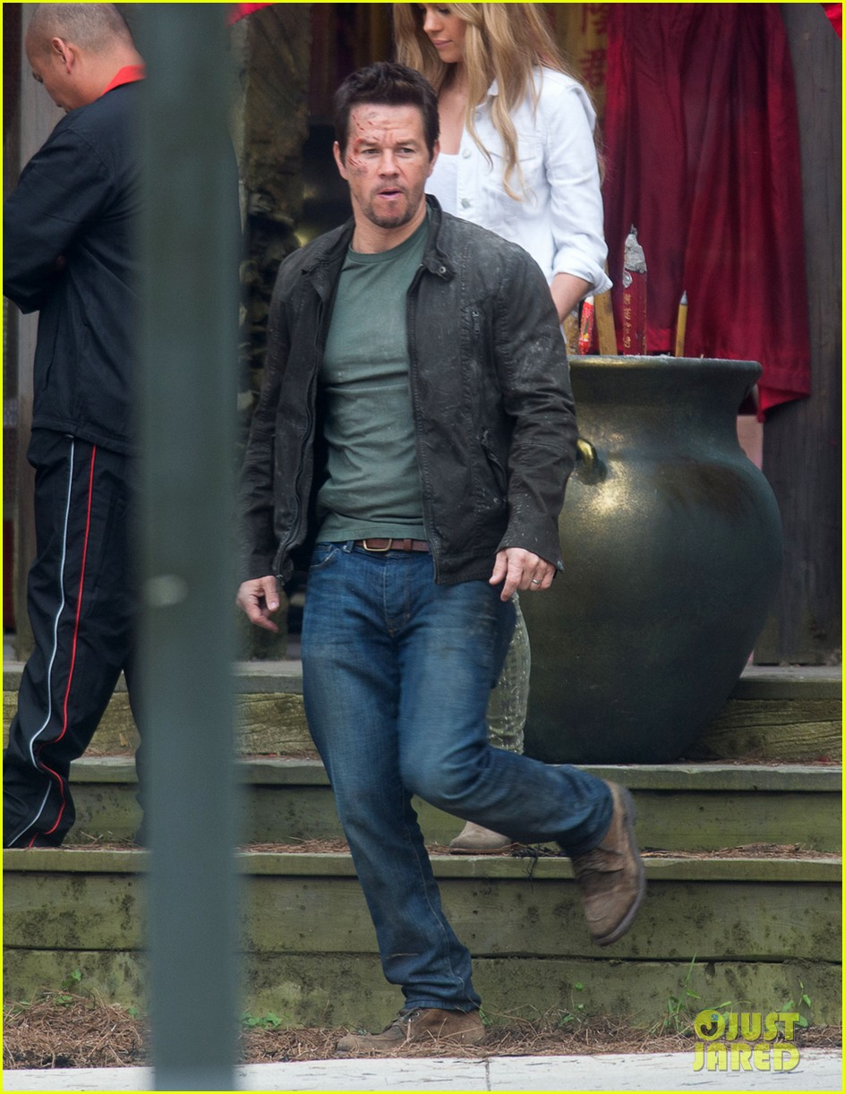 mark wahlberg nicola peltz film transformers 4 with jack reynor 062921052