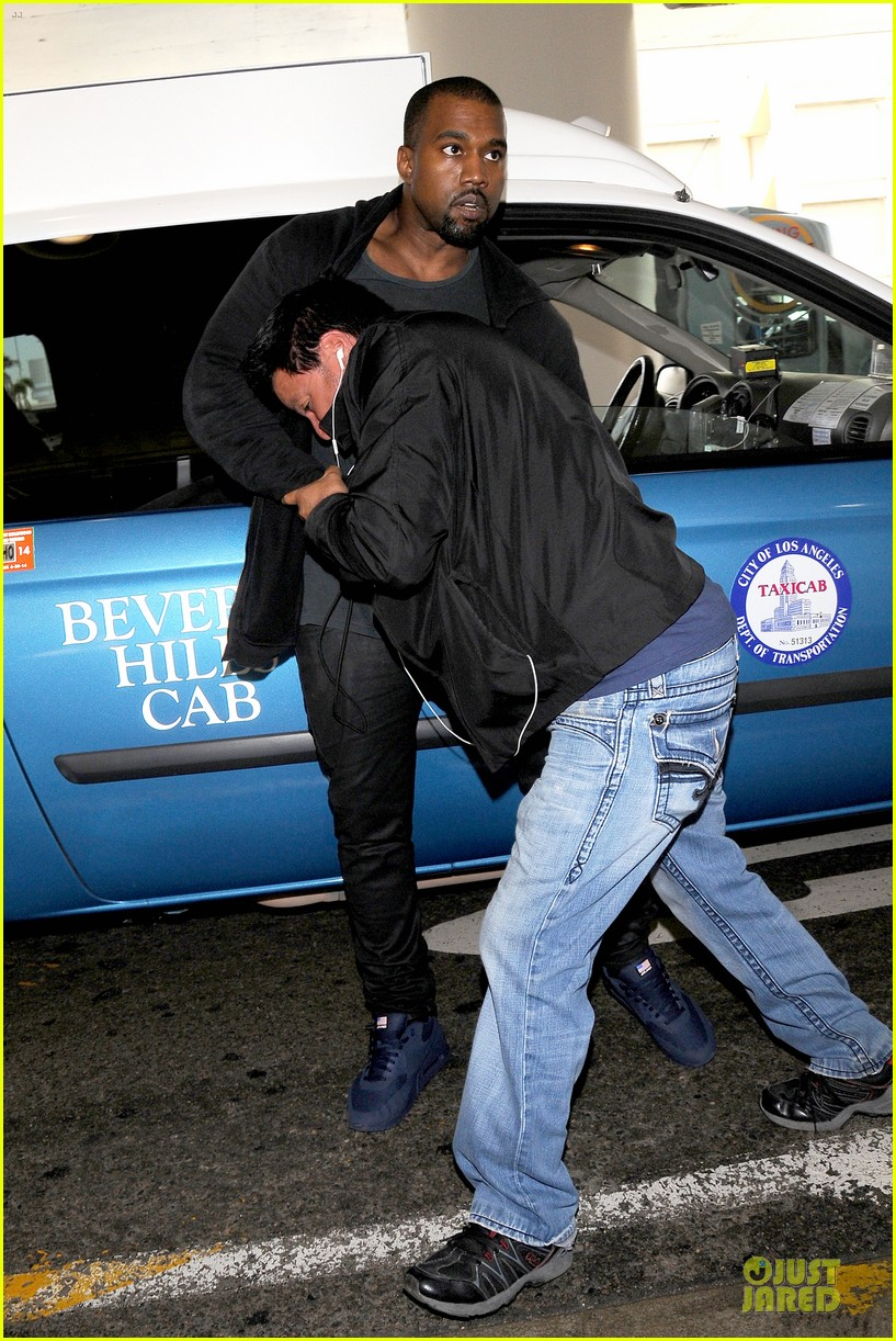 kanye west felony suspect after lax photographer scuffle 012912582