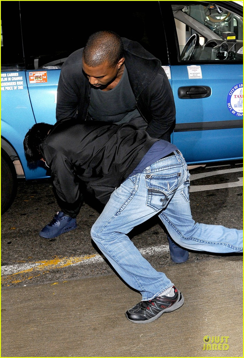 kanye west felony suspect after lax photographer scuffle 032912584