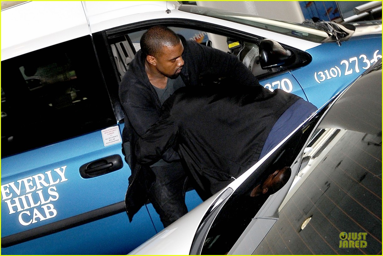 kanye west felony suspect after lax photographer scuffle 042912585