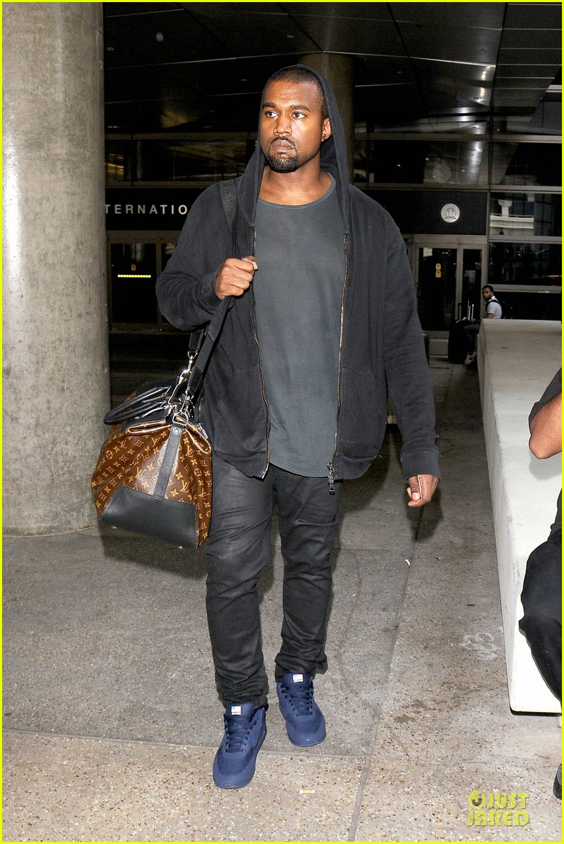 kanye west felony suspect after lax photographer scuffle 052912586