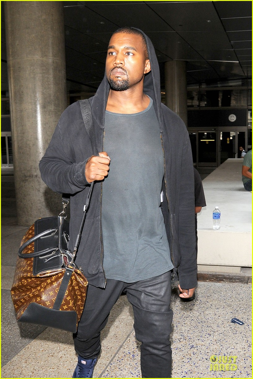 kanye west felony suspect after lax photographer scuffle 082912589