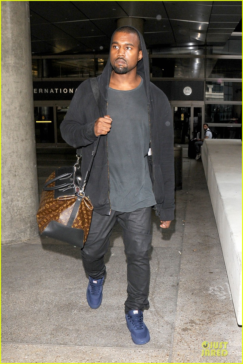 kanye west felony suspect after lax photographer scuffle 142912595