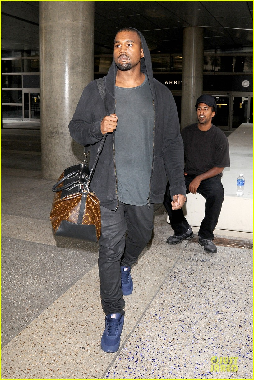 kanye west felony suspect after lax photographer scuffle 162912597
