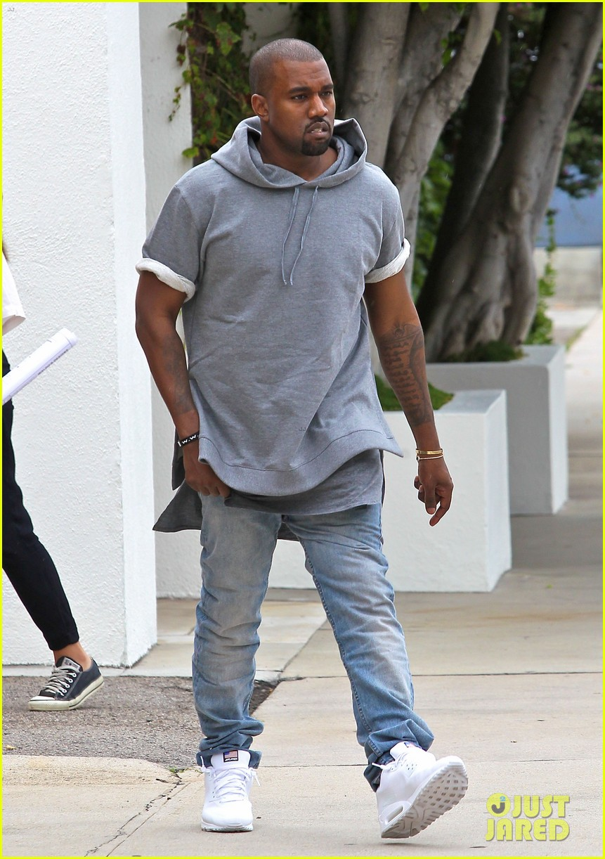 kanye west shops for furniture reportedly naps with north 012908096