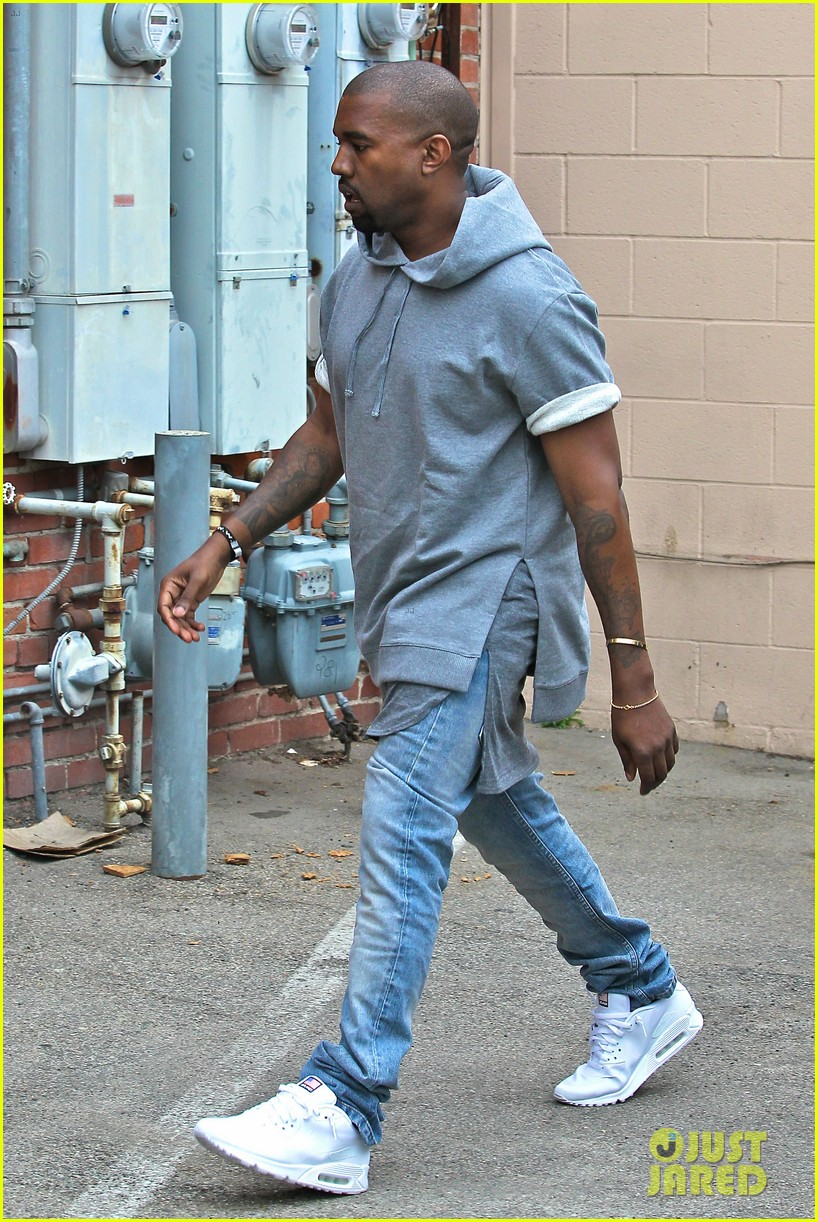 kanye west shops for furniture reportedly naps with north 032908098