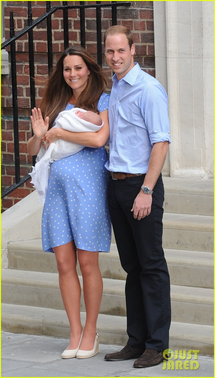 prince william drives royal baby kate middleton home 032915283
