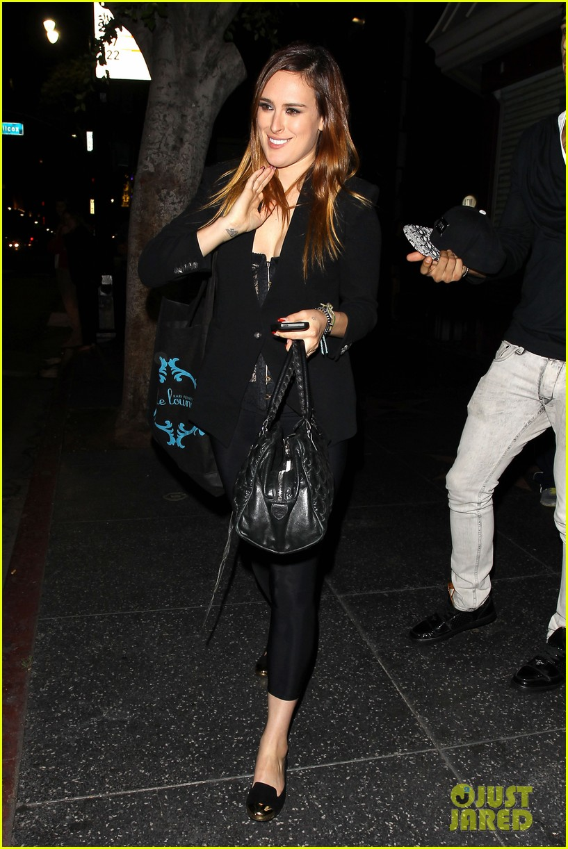 rumer willis performs at sayers club after pll guest spot 06