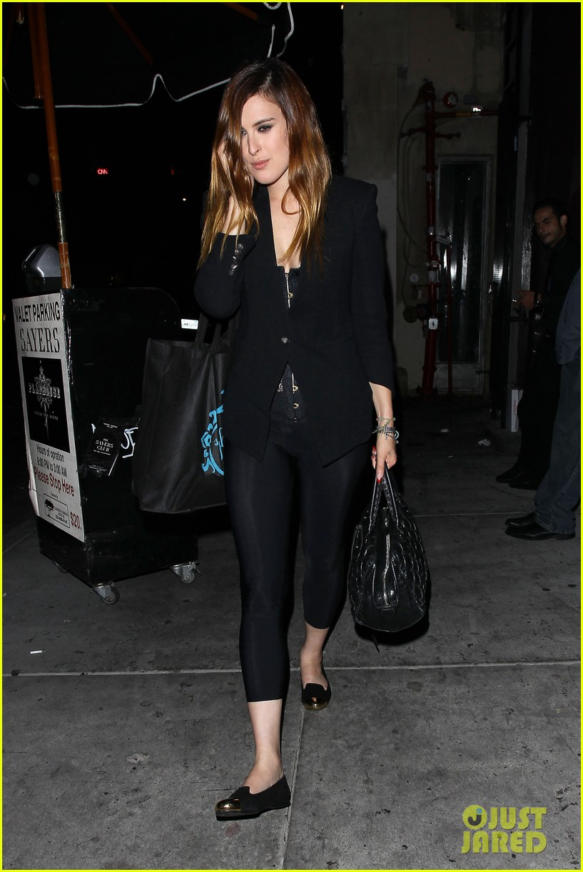 rumer willis performs at sayers club after pll guest spot 14