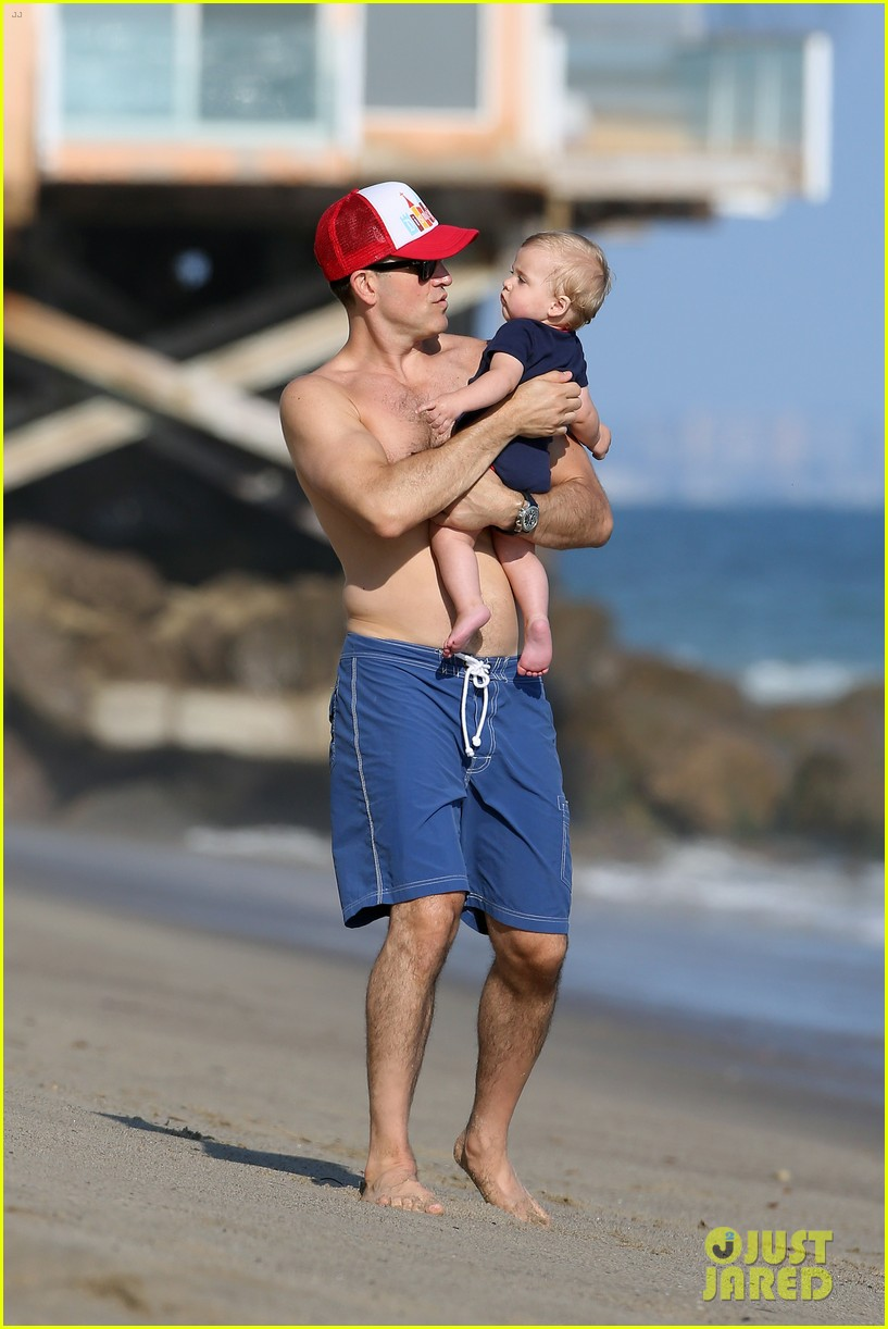 reese witherspoon beach holiday with jim toth tennessee 132904142